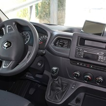 Wohnmobil: Renault Master Cockpit - Ahorn Camp ACT 660 teilintegriert
