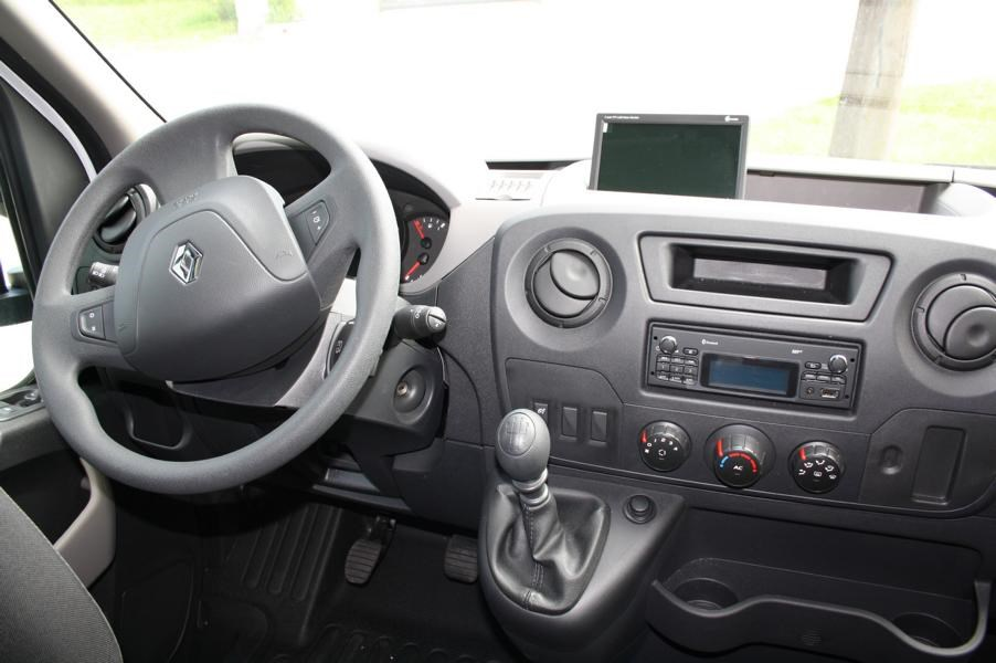Wohnmobil: geräumiges Cockpit bei Renault - Ahorn Kentucky Country LG